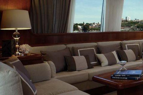 Motor yacht boat rental in Vila Nova De Gaia, Portugal