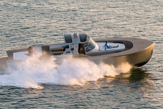 Runabout boat for rent in Saint-Tropez
