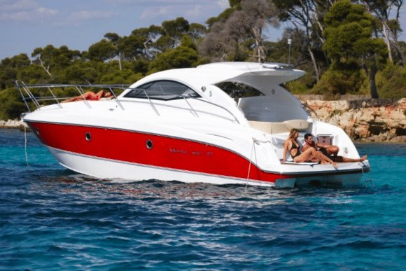 Express cruiser boat for rent in Cannes