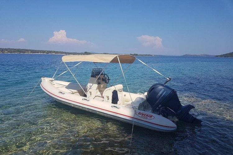 Boating is fun with a Rigid inflatable in Zadar