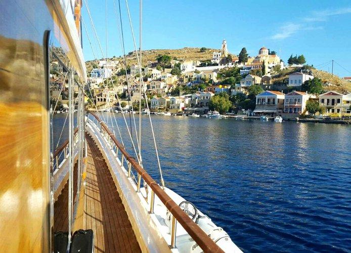 Boat rental in HVAR,