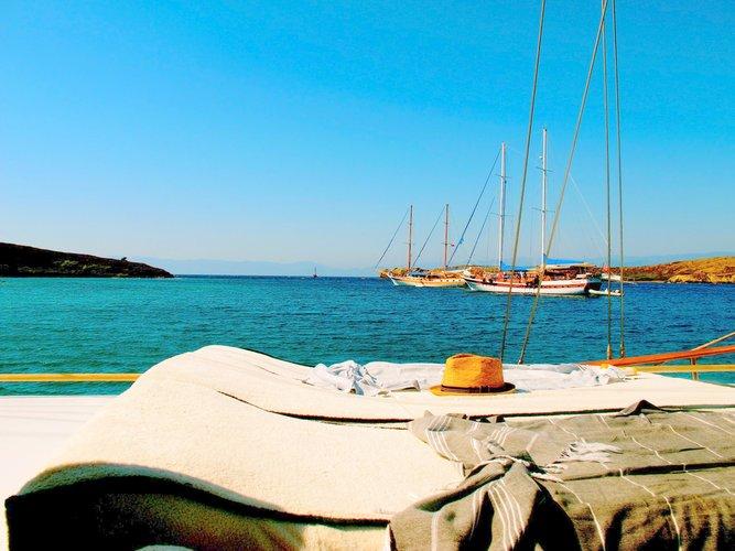 Motorsailer boat rental in hvar,