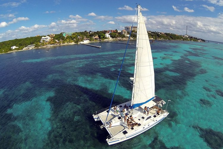 Boating is fun with a Catamaran in Cancun