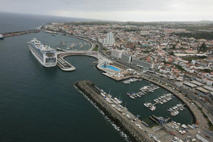 Dufour's 48.0 feet in Ponta Delgada