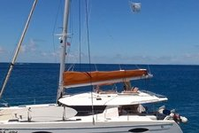 Cruise BVI waters on this modern and beautiful catamaran !