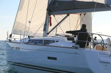 thumbnail-2 Jeanneau 42.0 feet, boat for rent in Alimos, GR