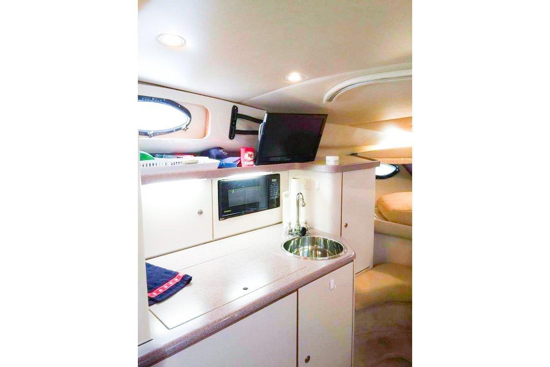 Rent a REGAL CRUISER 29\' Motorboat in Fort Lauderdale, FL on Sailo