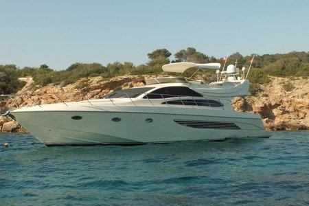 Experience La Dolce Vita in Ibiza