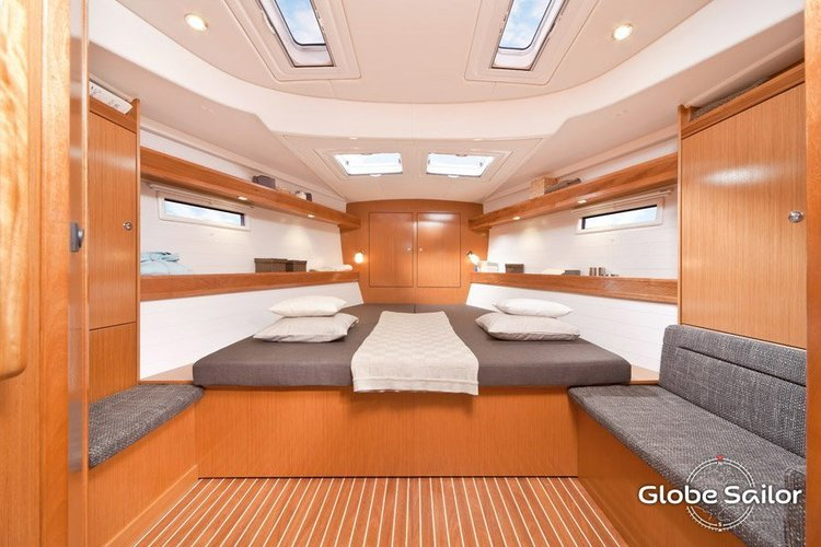 Up to 11 persons can enjoy a ride on this Bavaria boat