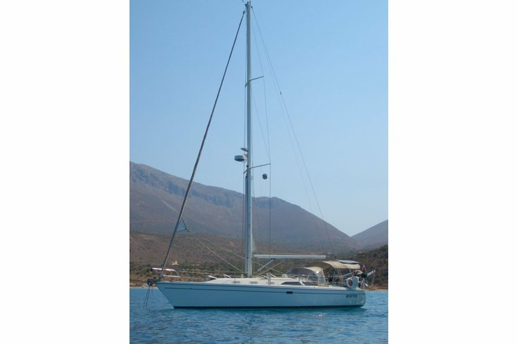 Boat for rent Catalina 42.0 feet in Genoa,