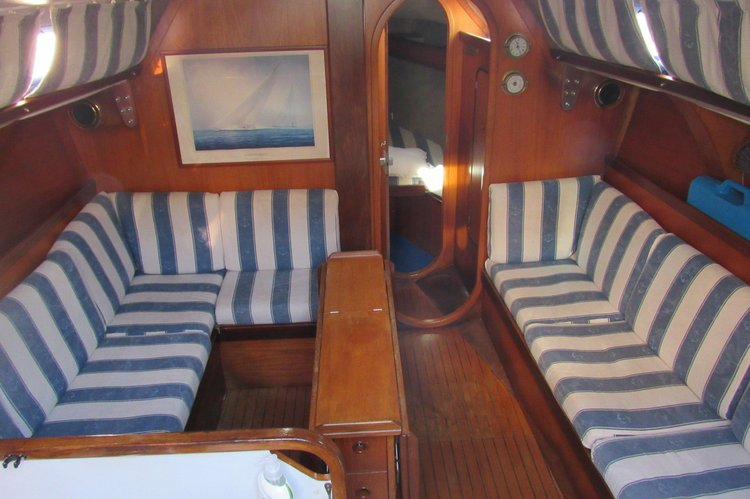 Racer boat rental in Genova, Italy