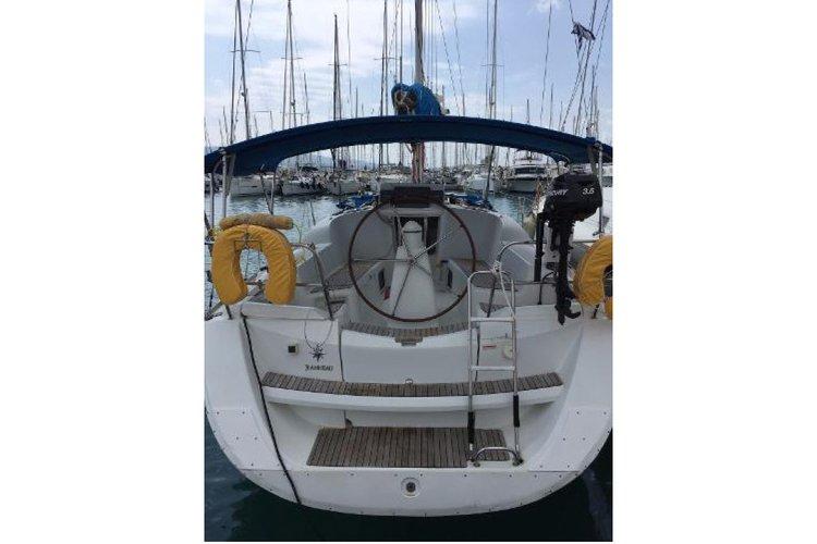Jeanneau's 36.0 feet in Lavrion