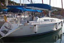 Dream Vacations in Cyclades on a Jeanneau Sun Odyssey 36i
