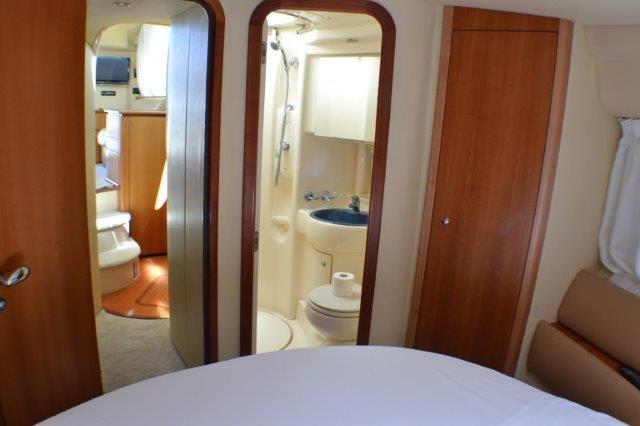 Discover Zadar region surroundings on this Azimut 39 EVO Fly Azimut / Benetti Yachts boat