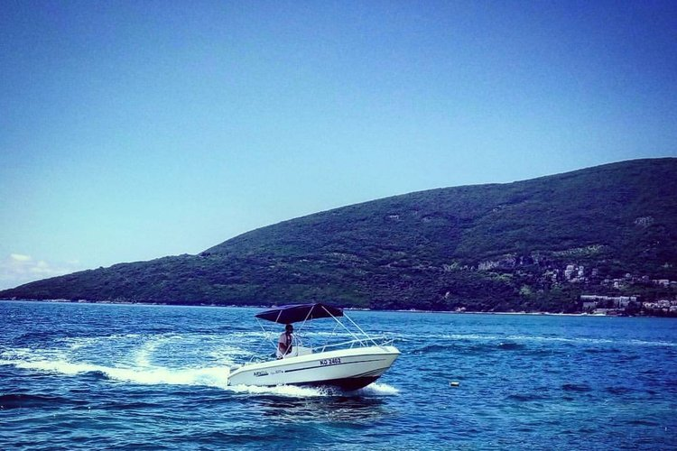 Other boat for rent in Herceg Novi