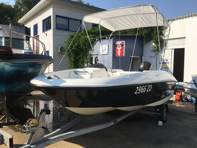 Boat for rent Bayliner 16.0 feet in Marina Tankerkomerc, Zadar,