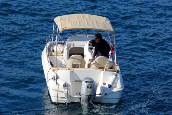 Up to 2 persons can enjoy a ride on this Beneteau boat