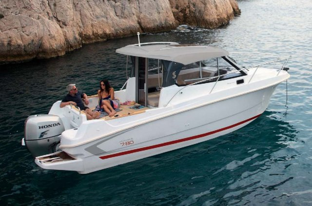 Discover Split region surroundings on this Antares 7.8 Bénéteau boat