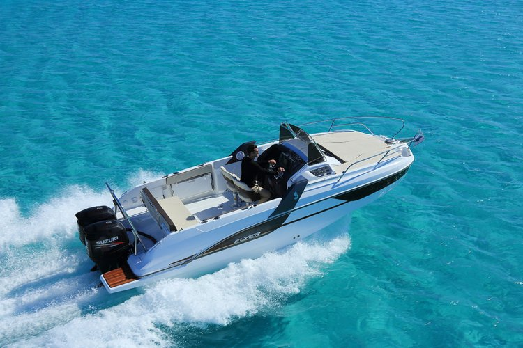 Discover Split region surroundings on this Beneteau Flyer 7.7 SUNdeck Bénéteau boat