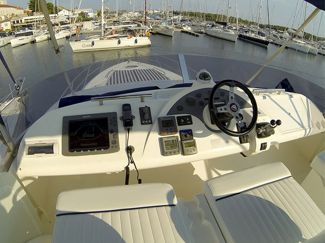 Boating is fun with a Motor yacht in Šibenik region