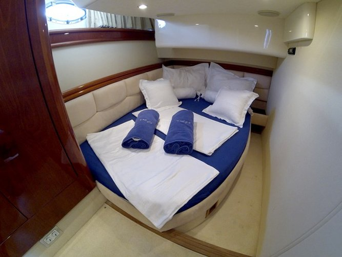 Discover Šibenik region surroundings on this Fairline Phantom 50 Fairline Boats boat