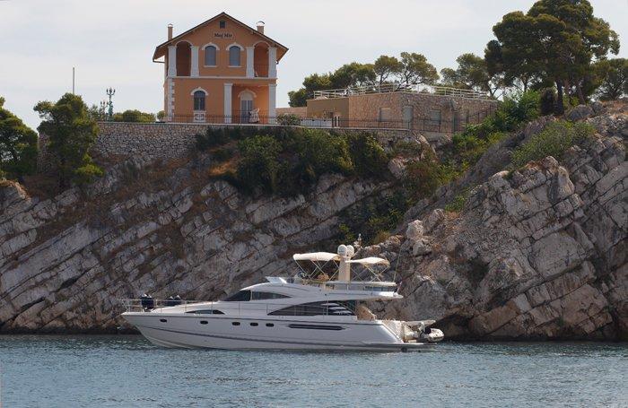 Motor yacht boat for rent in Šibenik region