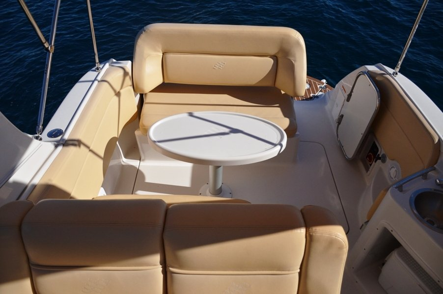 Enjoy luxury on this Four Winns Boats in Šibenik region