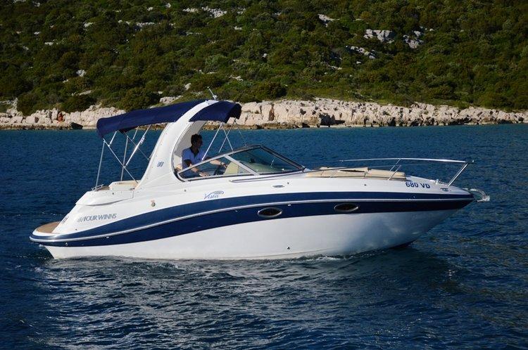 Boat for rent Four Winns Boats 28.0 feet in Marina Zenta, Split, Croatia