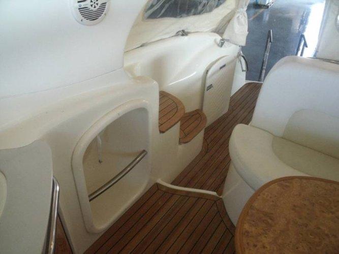 This 32.0' Gobbi cand take up to 4 passengers around Liguria