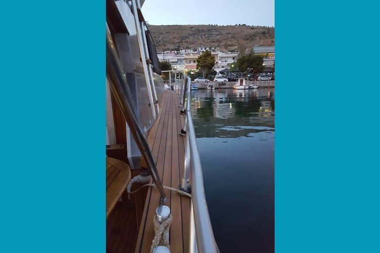 Discover athens surroundings on this 40 ITALCRAFT boat
