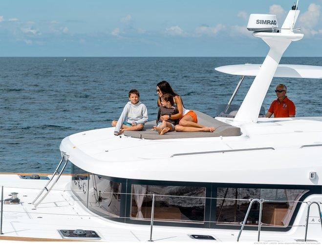 This 39.0' Lagoon-Bénéteau cand take up to 8 passengers around Šibenik region