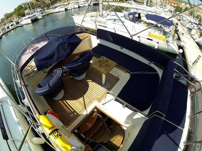 Discover Šibenik region surroundings on this Nord West 390 Fly Bridge Nord West boat