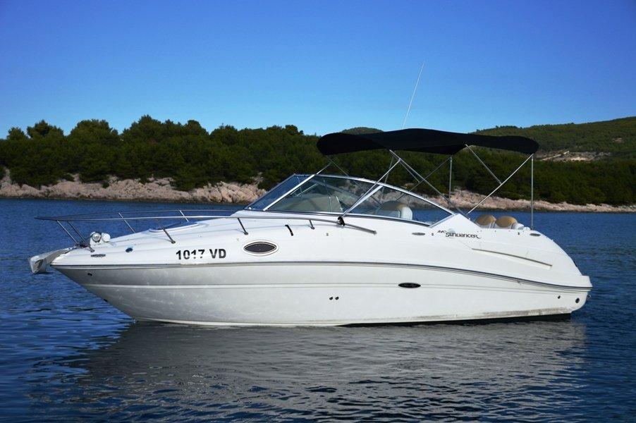 Sea Ray 260 Sundancer >> Zadar region Sea Ray 240 Sundancer Motor 25.0' Boat Rental ...