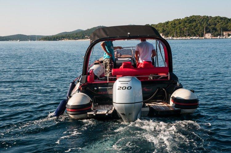 Inmark Marine's 24.0 feet in Split region