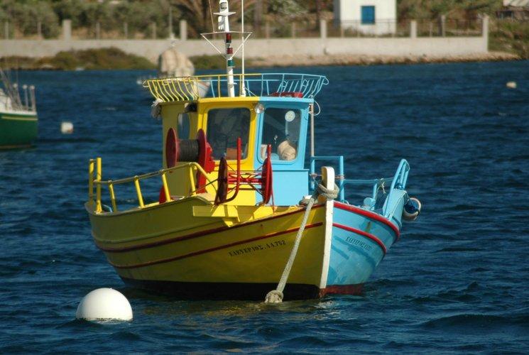 Boat rental in Poros,