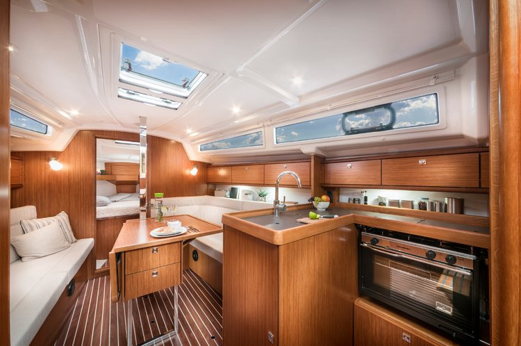 Discover Split region surroundings on this Bavaria Cruiser 34 Bavaria Yachtbau boat