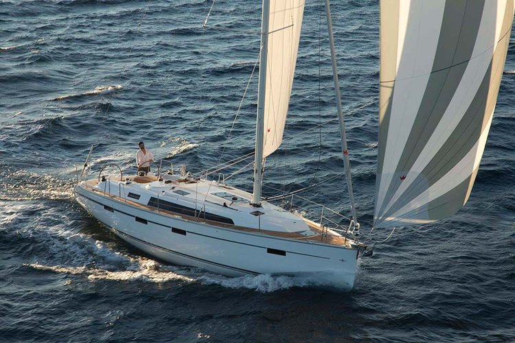 This 40.0' Bavaria Yachtbau cand take up to 7 passengers around Šibenik region