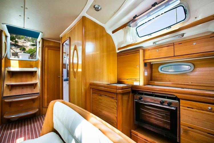 This 42.0' Bavaria Yachtbau cand take up to 8 passengers around Saronic Gulf