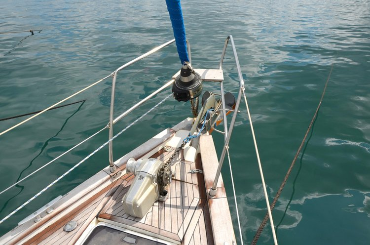 Discover Cyclades surroundings on this Bavaria 44 Bavaria Yachtbau boat