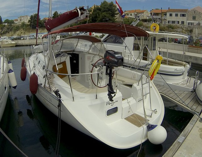 Boat for rent Bénéteau 32.0 feet in Marina Mandalina, Sibenik, Croatia