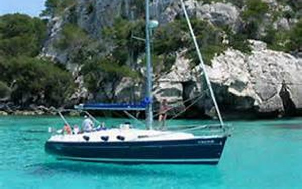 This 36.0' Bénéteau cand take up to 7 passengers around Split region