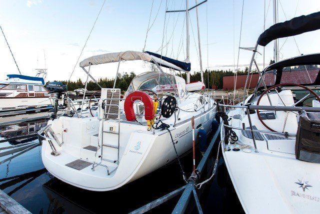 Discover Stockholm County surroundings on this Oceanis 40 Bénéteau boat
