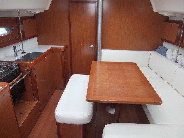 Boat for rent Bénéteau 39.0 feet in Marina Tankerkomerc, Zadar,