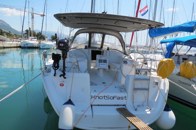 Boat for rent Bénéteau 43.0 feet in Marina Kastela, Kastela,