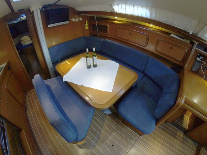 Discover Šibenik region surroundings on this Grand Soleil 43 Cantiere Del Pardo (Grand Soleil) boat