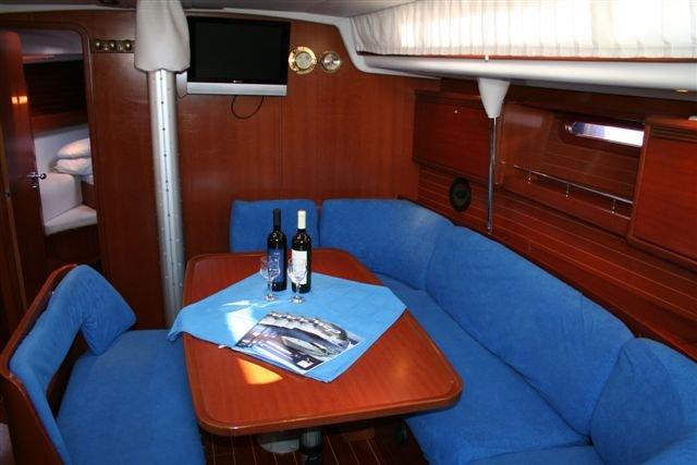 Discover Šibenik region surroundings on this Grand Soleil 43 Cantiere Del Pardo (Grand Soleil) boat