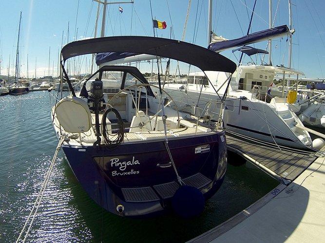 Discover Šibenik region surroundings on this Grand Soleil 45 Cantiere Del Pardo (Grand Soleil) boat