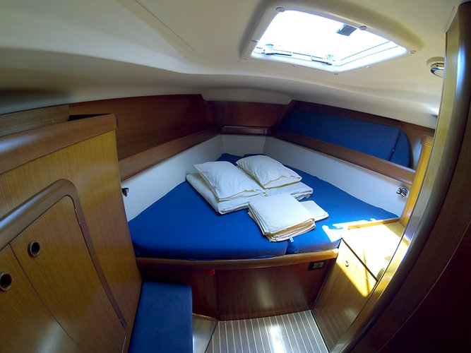 Discover Šibenik region surroundings on this Grand Soleil 46.3 Cantiere Del Pardo (Grand Soleil) boat