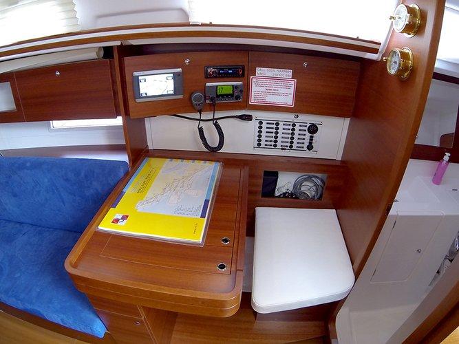 Discover Šibenik region surroundings on this Dufour 335 GL Dufour Yachts boat