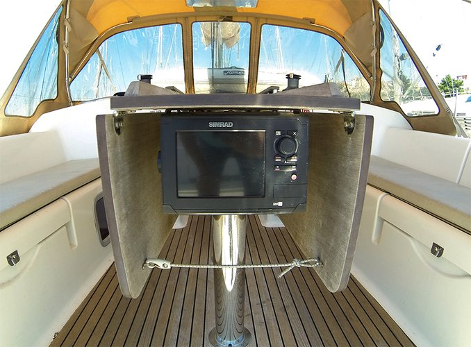Discover Šibenik region surroundings on this Dufour 375 GL Dufour Yachts boat